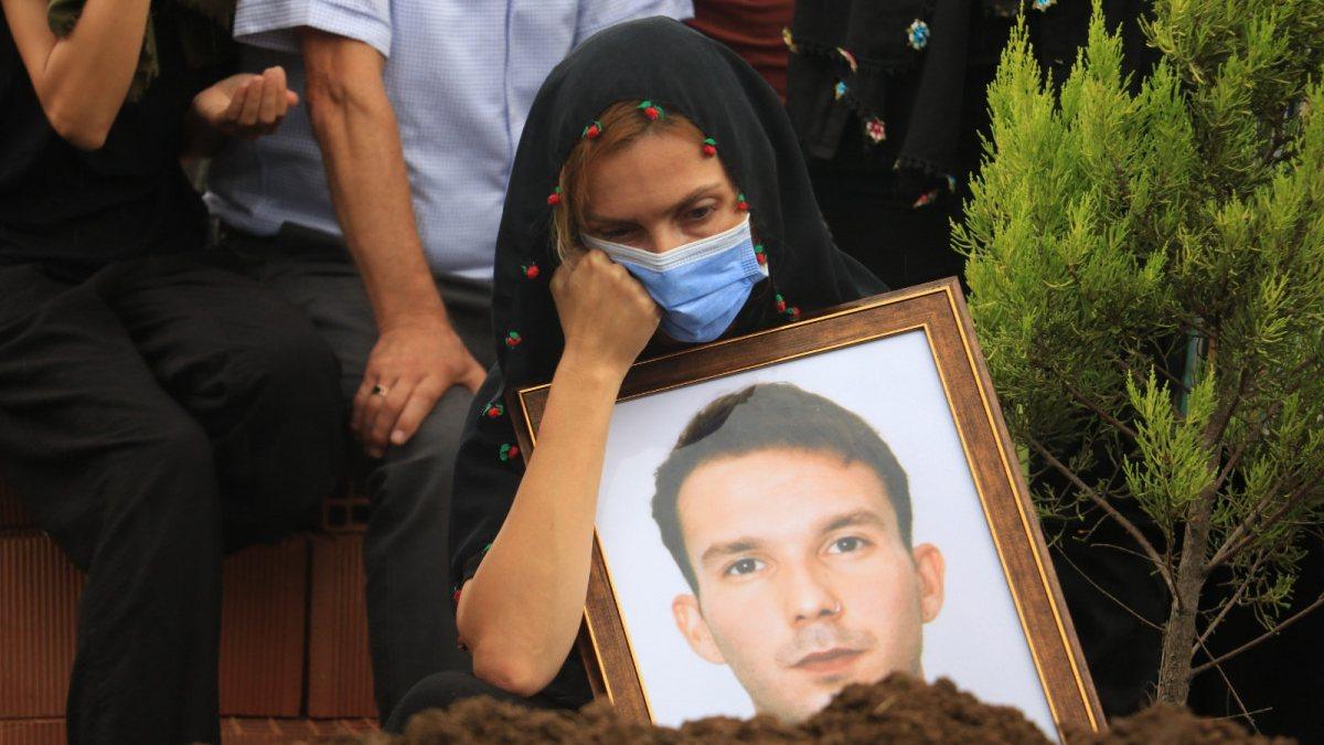 Antalya'daki uçurumda ölü bulunan genç, Samsun'da defnedildi