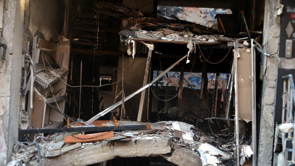 Avcılar'da 3 katlı binadaki patlamanın etkisi, gün ağarınca belli oldu