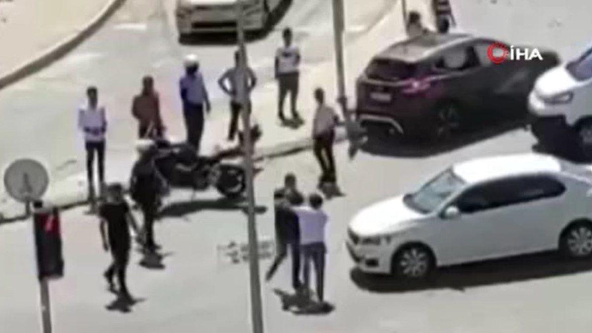 Esenyurt'ta kaza yapan sürücülerin kavgası kamerada