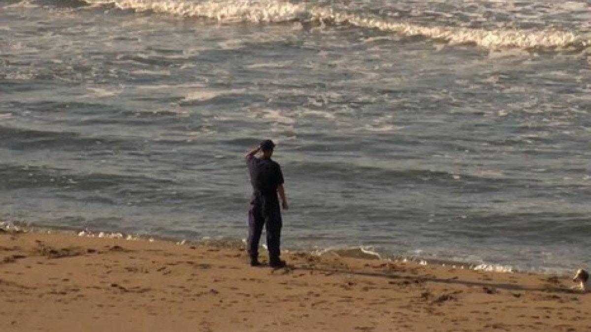 Kandıra'da denize giren 2 kişiden biri öldü, diğeri aranıyor
