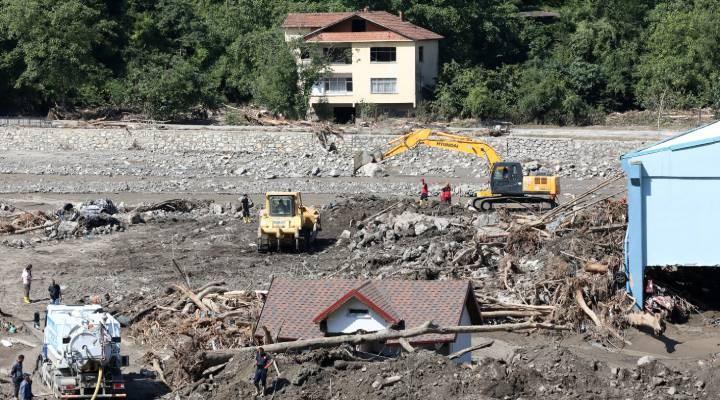 Sel felaketinde can kaybı 70'e yükseldi